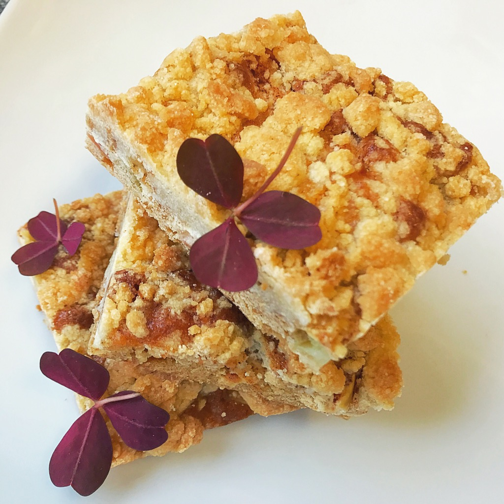 Skagencheesecake, Helstekt oxfilé med pommes duchesse & Äppelpajkaka med vispad kardemummapannacotta